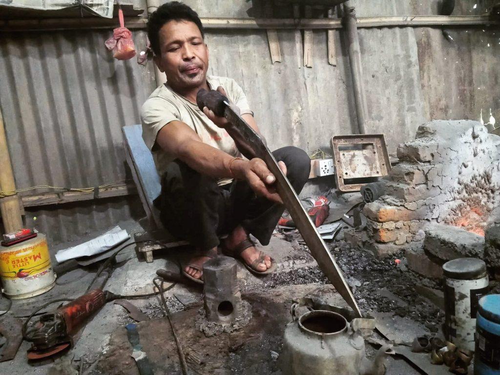 Kami making khukuri chitlange shivaraj